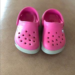 Crocs pink kids size 4/5